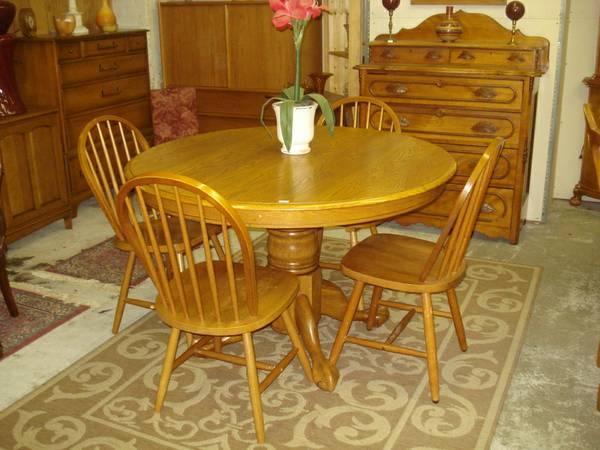 Oak pedestal claw foot dining set for sale in lansing