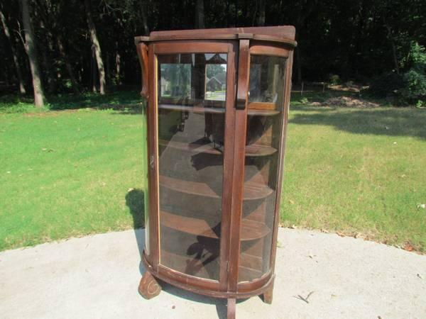 Oak round front china / curio cabinet - $125