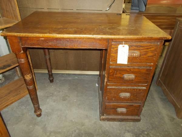 Oak Student Desk for Sale in Greenwich Pennsylvania