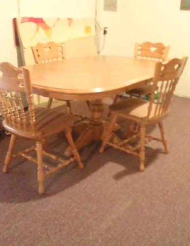 Oak Table And Chairs South Side La Crosse For Sale In Lacrosse Wisconsin Classified