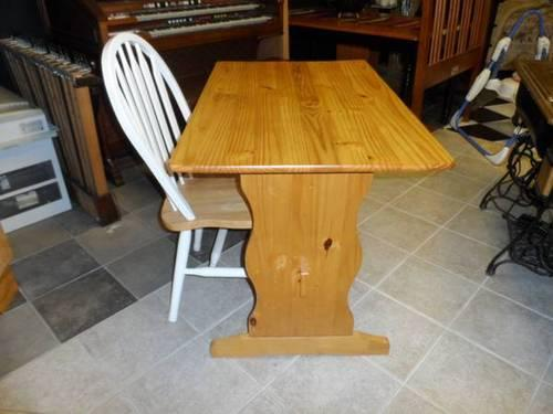 Oak Wood Table Desk W Chair For Sale In Greensboro North Carolina Classified