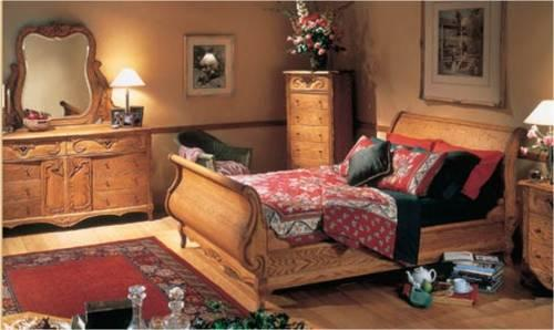 Oakwood Interiors Versailles King Sleigh Bed Set For Sale