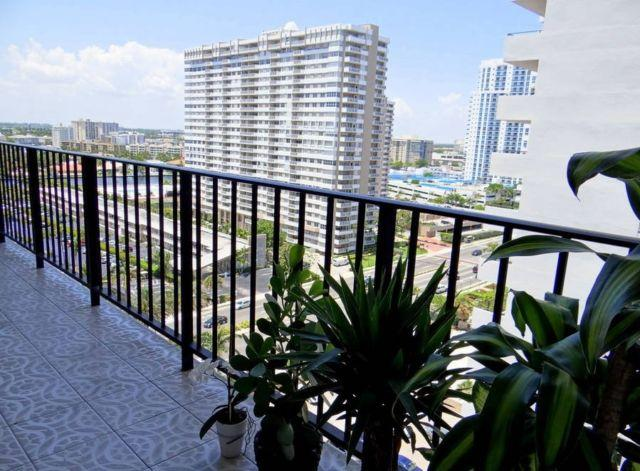 Oceanfront 2bed/2bath condo