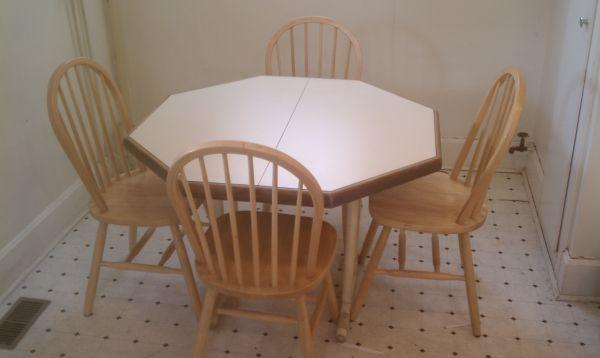 OCTAGON KITCHEN TABLE FOR SALE!! - (Clarion, PA) for Sale in ...