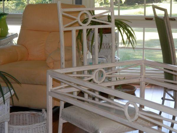 OFF WHITE DINING ROOM TABLE SEATS 6 BEVELED GLASS TOP ROCKFORD IL For