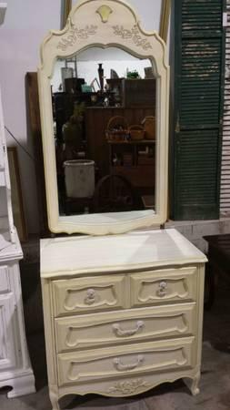 off white thomasville bedroom set for sale in milton wisconsin classified ForThomasville White Bedroom Furniture
