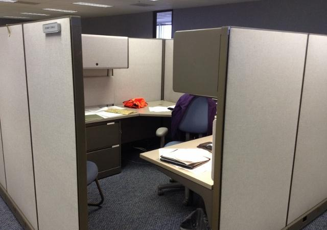 Office Cubicles/workstations! 100 Herman Miller AO2