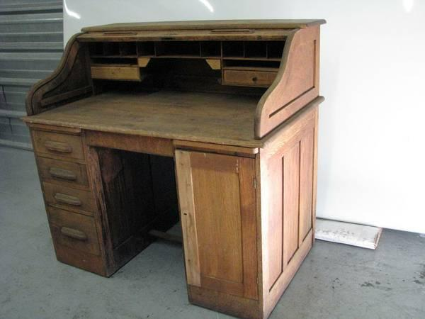 Old Antique Roll Top Desk for Sale in San Mateo