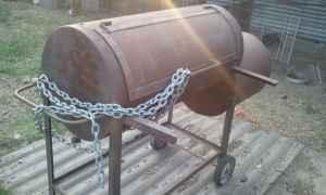 ** Old Country BBQ Smoker ** - $1 (HWY 90 @ BLTW 8)