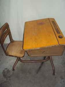 Old Fashioned School Desk Ft Drum For Sale In