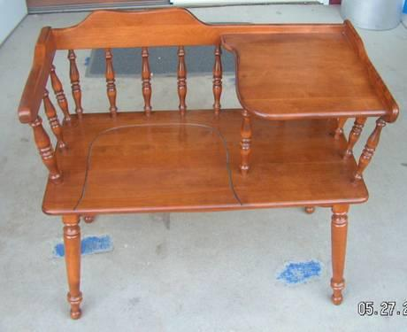 Old Gossip Telephone Bench Chair