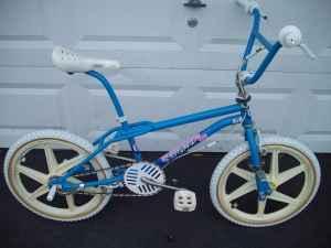 Old School 1987 Gt Performer Freestlye Bmx Show Bike L K