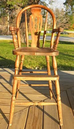 OLD VINTAGE HIGH CHAIR TABLES WOODEN END ROUND ROCKING