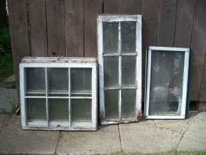 Old Wood Windows - $4 (South Hill)