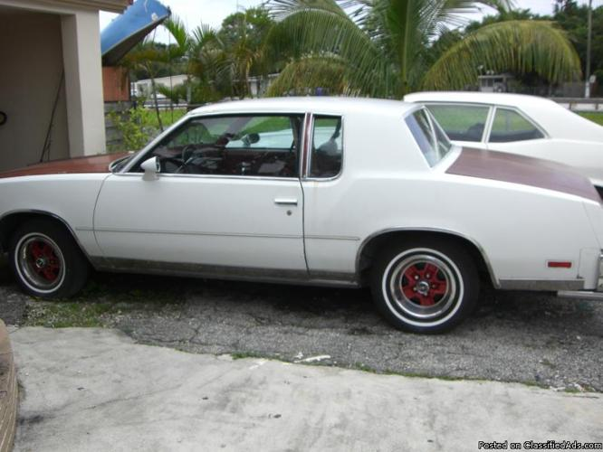 Oldsmobile Cutlass 1978 2-Door