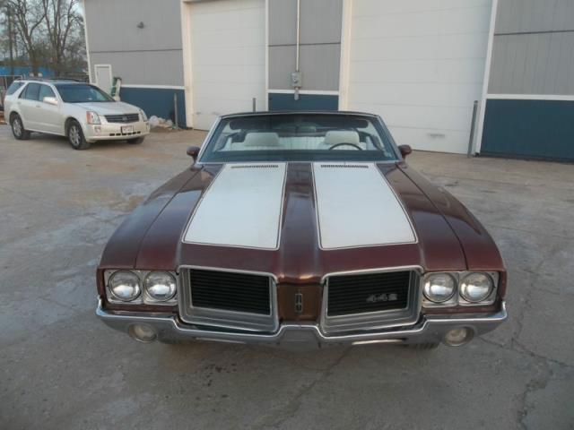 Oldsmobile Cutlass Supreme/442 Convertible clone