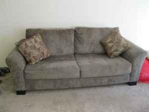 Olive Couch W 4 Throw Pillows Acadia Park Apts For Sale In Houma Louisiana Classified