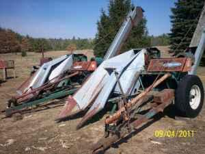 One Row New Idea 323 Corn Pickers - $999 (White Cloud