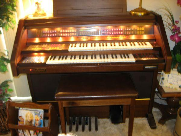 Organ - Legend by Estey - $6000 (Springfield MO )