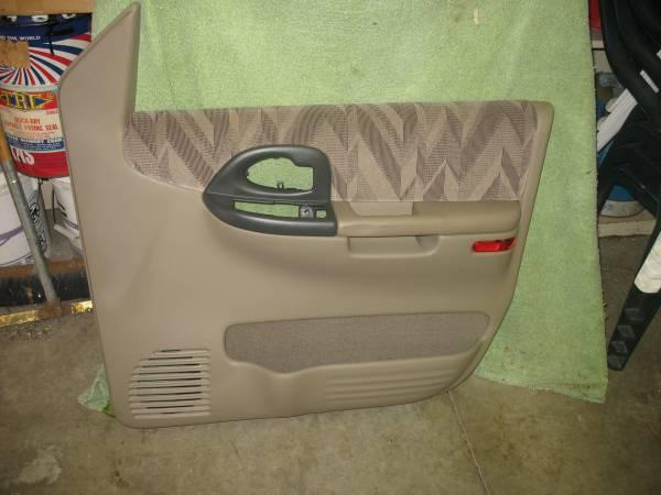 ORIGINAL CHEVROLET VENTURE DOOR PANEL - $175