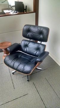Original Eames Lounge Chair