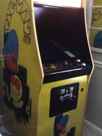 Original Pac-Man gaming machine - $2000