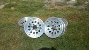 outlaw II wheels for chevy - $150 (argenta)