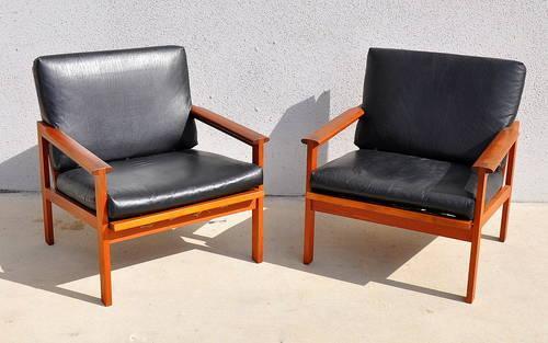 Pair Mid Century Danish Modern Leather Teak Lounge Chairs