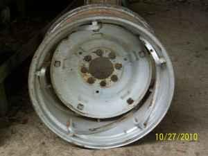 Pair Of Spin Out Rims Amp Center Disc For Ford Tractor