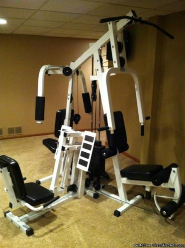 Parabody home gym w leg press for sale in plano
