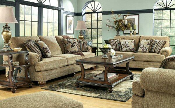 Parade Of Homes Decorator Sofa Columbus Warehouse For Sale In