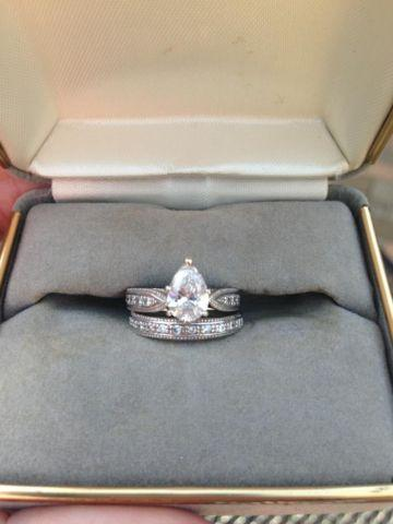 Pear Shaped Diamond One-of-a-Kind Engagement/Wedding Ring Set for ...
