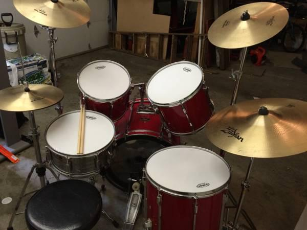 Pearl Drums W new heads and Zildjian cymbals - $600