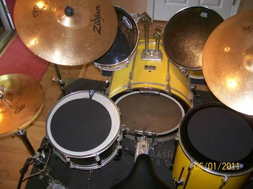 Pearl export series drum set with zildjain cymbals includes new heads