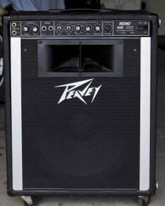 peavey reno 400 amp fresno for sale in fresno california classified. Black Bedroom Furniture Sets. Home Design Ideas