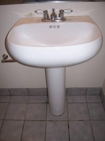 Vintage Pedestal Sink Classifieds   Buy U0026 Sell Vintage Pedestal Sink Across  The USA   AmericanListed