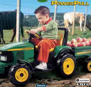 Peg Perego John Deere Power Pull Tractor with pull
