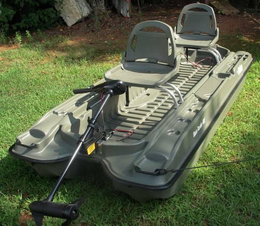 Pelican raider bass boat package many extras for for Pelican bass raider 10e fishing boat