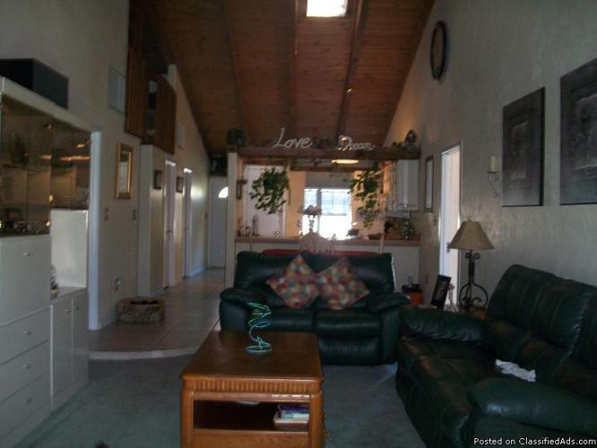 PET LOVERS SPECIAL! Spaciouse condo with back yard for sale in Naples