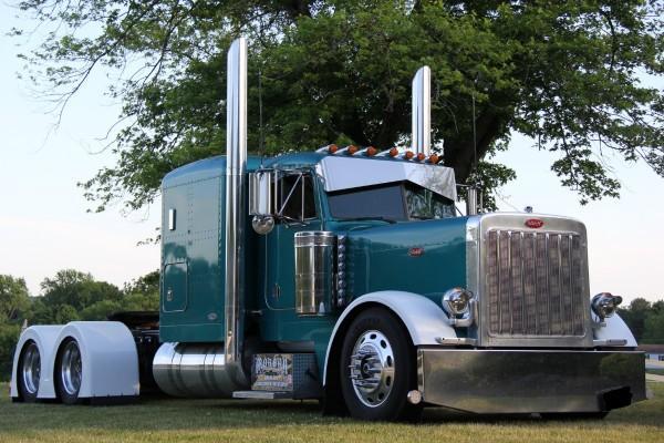 peterbilt 379 exhd flat top c 16 cat diesel 486k original miles for sale in tuscaloosa alabama. Black Bedroom Furniture Sets. Home Design Ideas