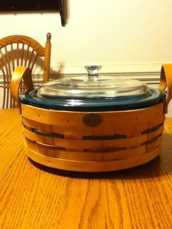 Peterboro Lazy Susan Basket & Removeable Blue Pottery