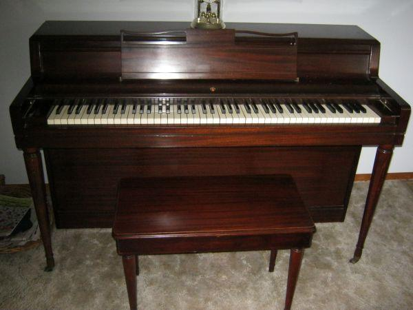 PIANO - $500 (Mountain Top)
