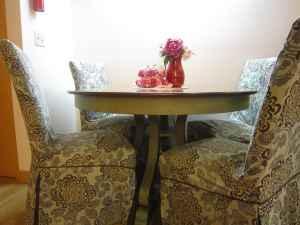 pier1 marchella dining table 4 persons spartan vlg east lansing mi 48823 for sale in. Black Bedroom Furniture Sets. Home Design Ideas