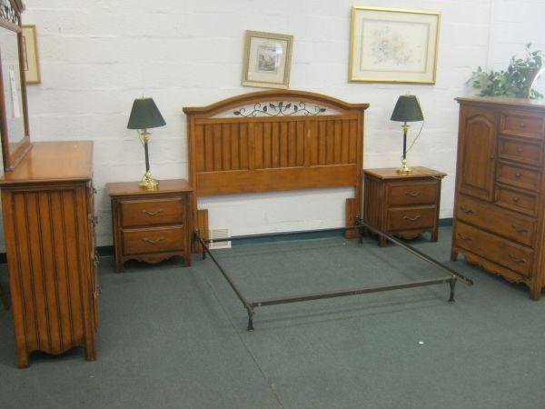 Pine 5 Piece Bedroom Set Allentown Pa For Sale In