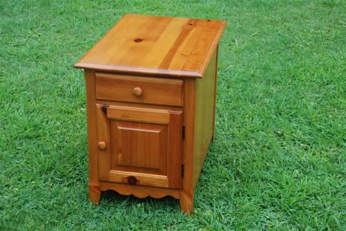 Excellent bennington pine New and used furniture for sale in Langhorne  WY72