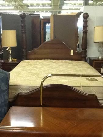 Pine Queen Size Cannonball Bed For Sale In Greenwich Pennsylvania Classified