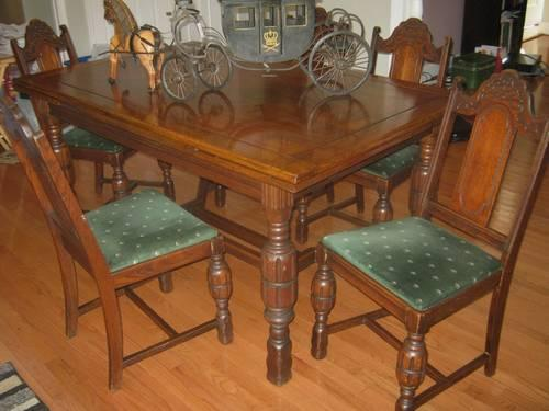 Pineapple Design Solid Oak Dining Table 5 Chairs And