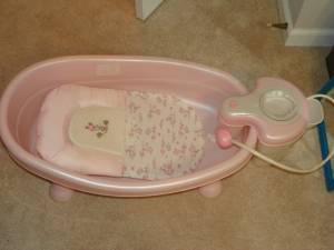 pink infant shower and bath tub meridian for sale in meridian mississipp. Black Bedroom Furniture Sets. Home Design Ideas