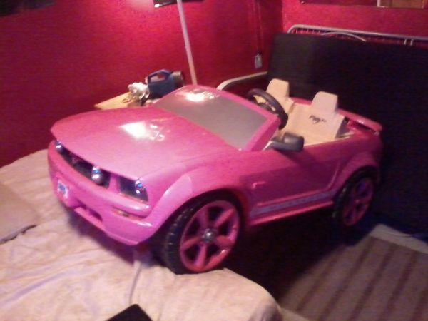 Pink Power Wheels Mustang - $150 Castle Hayne