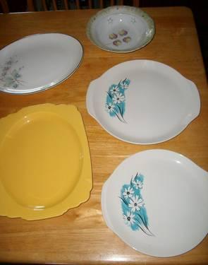 PLATTERS - something blue/misc yellow-white platters